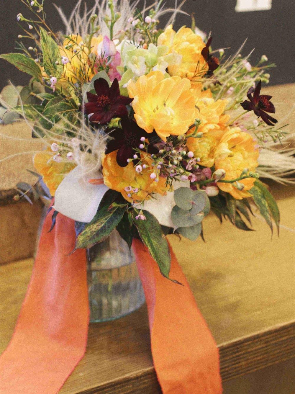 beek flowersオレンジのウェディングブーケ