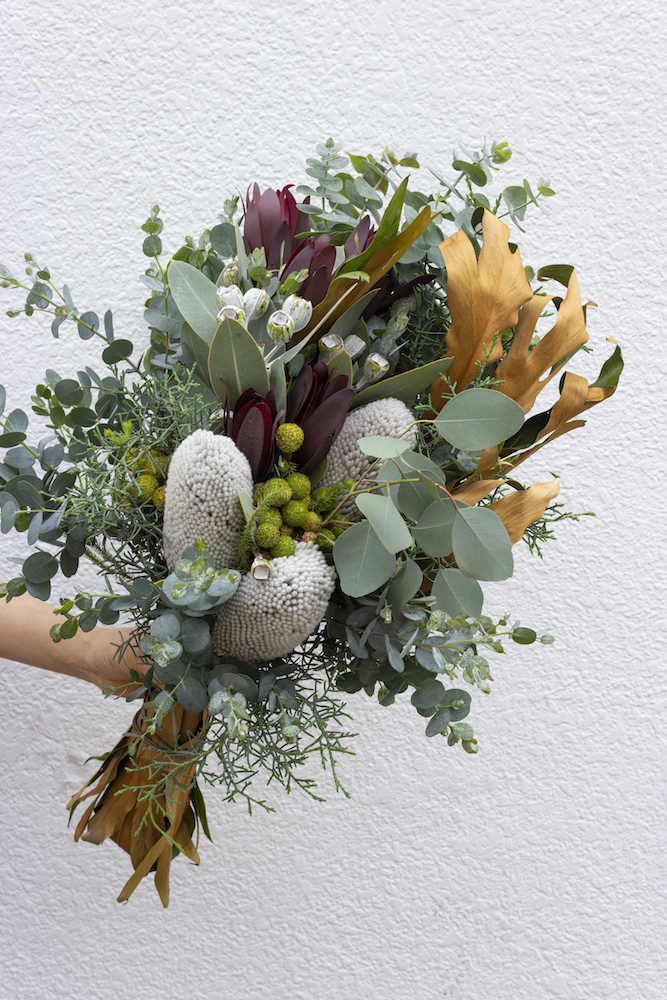 ネイティブフラワーなどの個性派植物を使ったウェディングブーケ